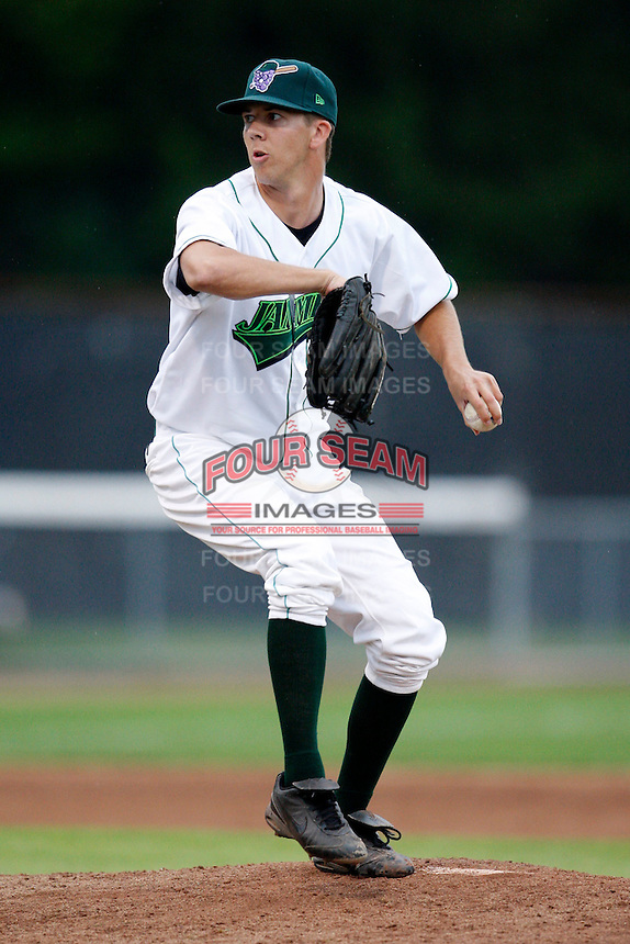 July 30, 2009:  Pitcher Stephen Richards of the Jamestown Jammers delivers a pitch during a game at Russell Diethrick Park in Jamestown, NY.  The Jammers are the NY-Penn League Short-Season Single-A affiliate of the Florida Marlins.  Photo By Mike Janes/Four Seam Images