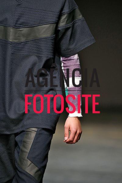 Londres, Inglaterra &ndash; 08/01/2014 - Desfile de James Long durante a Semana de moda masculina de Londres - Inverno 2014. <br /> Foto: FOTOSITE