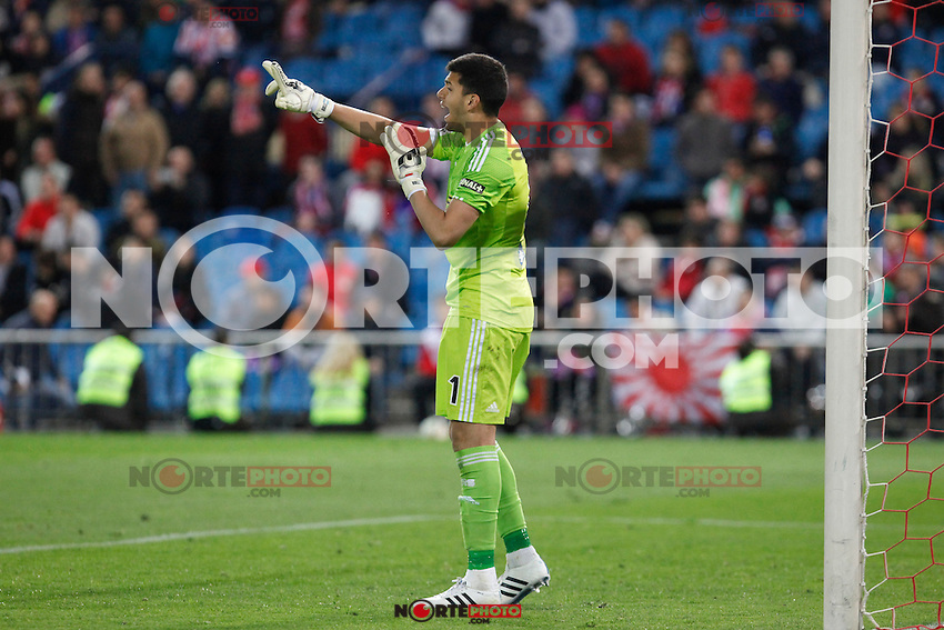 Real Sociedad´s Rulli shouts to his team mates during La Liga match at Vicente Calderon stadium in Madrid, Spain. April 07, 2015. (ALTERPHOTOS/Victor Blanco) /NORTEphoto.com