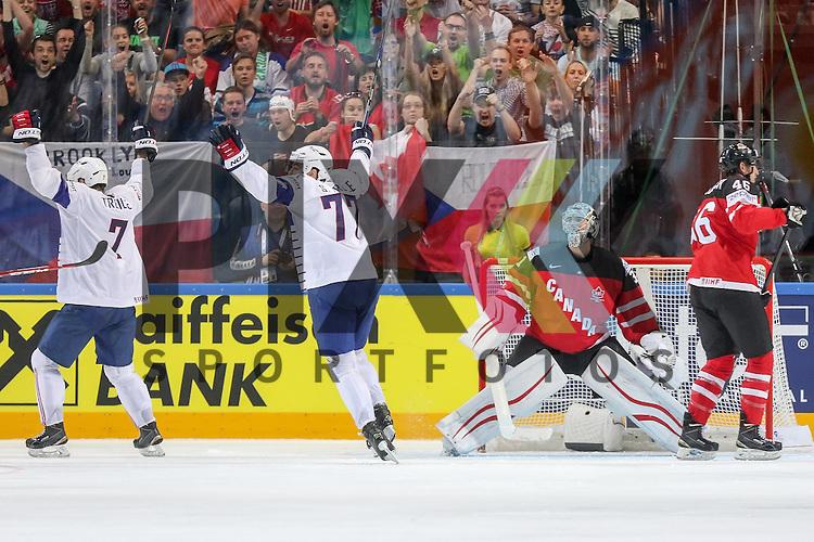 Tor Frankreich, das Team jubelt, Canadas Jones, Martin (Nr.31) ist geschlagen im Spiel IIHF WC15 France vs Canada.<br /> <br /> Foto &copy; P-I-X.org *** Foto ist honorarpflichtig! *** Auf Anfrage in hoeherer Qualitaet/Aufloesung. Belegexemplar erbeten. Veroeffentlichung ausschliesslich fuer journalistisch-publizistische Zwecke. For editorial use only.