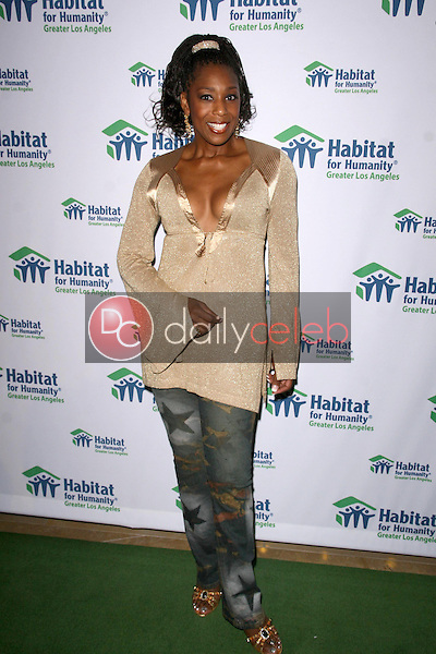 Dawnn Lewis<br />