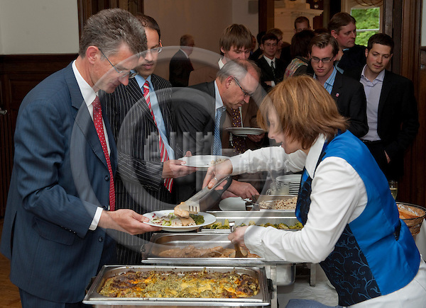 Brussels-Belgium - June 23, 2011 -- Annual reception 'Hessenempfang' at the Representation (LV) of Land Hessen to the EU -- Photo: Horst Wagner / eup-images