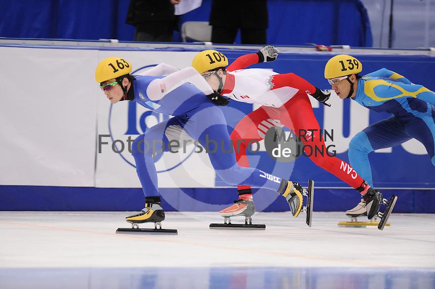 "SHORT TRACK: MOSCOW: Speed Skating Centre ""Krylatskoe"", 14-03-2015, ISU World Short Track Speed Skating Championships 2015, Ranking Races, John-Henry KRUEGER (#163   USA), Samuel GIRARD (#109   CAN), Nurbergen ZHUMAGAZIYEV (#139   KAZ), ©photo Martin de Jong"