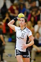 Sabrina Neuendorf (VFL) am Ball