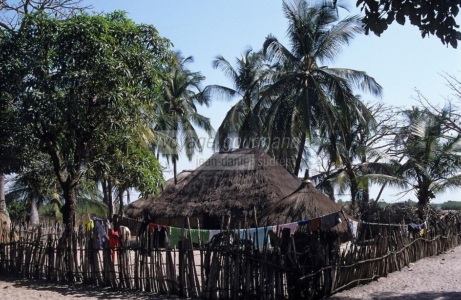 Afrique/Afrique de l'Ouest/Sénégal/Basse-Casamance/Karabane : Case