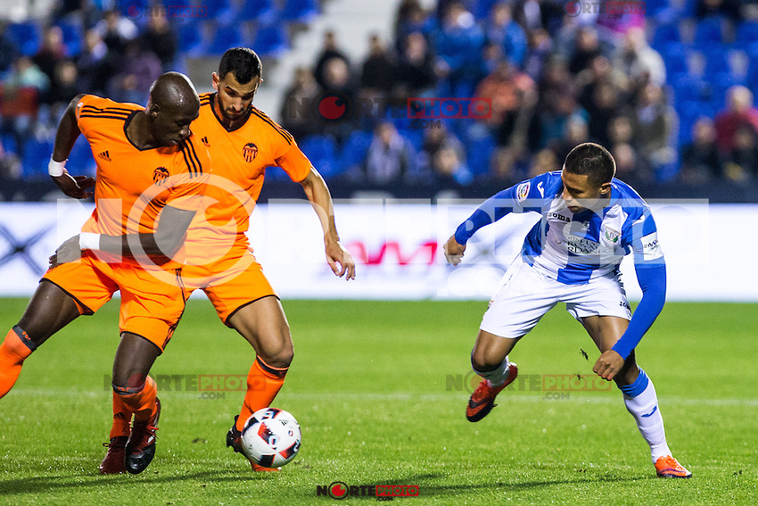 "Valencia's Martin Montoya , Mangala, Club Deportivo Leganes's Darwin Machis during the match of ""Copa del Rey"" between CD Leganes and Valencia CF at Butarque Stadium in Leganes, Spain. November 29, 2016. (ALTERPHOTOS/Rodrigo Jimenez) /NORTEPHOTO.COM"