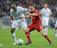 FUSSBALL   CHAMPIONS LEAGUE  VIERTELFINAL RUECKSPIEL   2011/2012      FC Bayern Muenchen - Olympic Marseille          03.04.2012 Franck Ribery (re, FC Bayern Muenchen) gegen Stephane Mbia (Olympique Marseille)