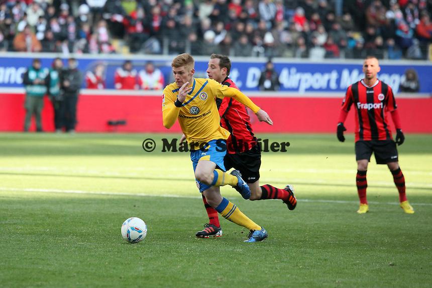 Mathias Fetsch (Braunschweig) gegen Mathias Lehmann (Eintracht)