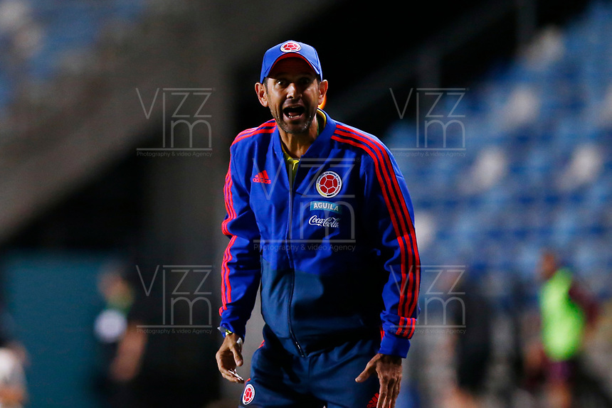 RANCAGUA - CHILE, 07-02-2019:  Arturo Reyes técnico de Colombia gesticula durante el encuentro entre Venezuela y Colombia por la fecha 4 dela fase final del Sudamericano Masculino Sub 20 Chile 2019 jugado en el estadio El Teniente de Rancagua en Rancagua, Chile. / Arturo Reyes, coach of Colombia, gestures during the match between Venezuela and Colombia for the date 4 of final phase of South American Men U-20 Chile 2019 played at El Teniente de Rancagua stadium in Rancagua, Chile. Photo: VizzorImage / Pablo Vera / Cont / XpressMedia