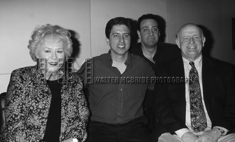 Doris Roberts, Ray Romano, Brad Garrett and Peter Boyle attending the N.A.T.P.E  Convention<br /> New Orleans, La.<br /> January 25, 1999.
