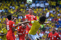 BARRANQUILLA - COLOMBIA -11-10-2016: Abel Aguilar (Der) jugador de Colombia salta por el balón con Eduardo Vargas (Izq) jugador de Chile durante partido de la fecha 11 para la clasificación sudamericana a la Copa Mundial de la FIFA Rusia 2018 jugado en el estadio Metropolitano Roberto Melendez en Barranquilla./  Abel Aguilar (R) player of Colombia jumps the ball with Eduardo Vargas (L) player of Chile during match of the date 11 for the qualifier to FIFA World Cup Russia 2018 played at Metropolitan stadium Roberto Melendez in Barranquilla. Photo: VizzorImage / Alfonso Cervantes / Cont