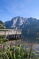 Austria, Styrian Salzkammergut, Altaussee: Altausseer Lake and Trisselwand mountain - jetty
