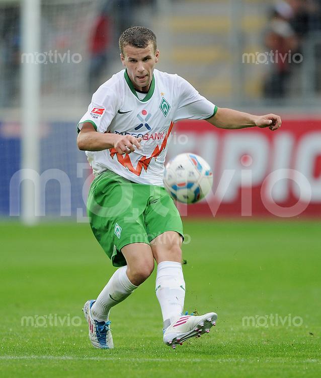 Fussball 1. Bundesliga 2011/2012  Testspiel   19.07.2011 SC Freiburg- SV Werder Bremen Lukas Schmitz (SV Werder Bremen) am Ball