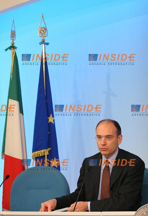 Roma, 27/10/2006, Consiglio dei Ministri. Nella foto il Sottosegretario alla Presidenza del Consiglio Enrico Letta. Photo Samantha Zucchi Inside. (www.insidefoto.com)
