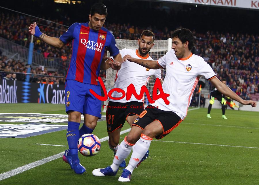 Luis Suarez en el partido de liga entre el FC Barcelopna contra el Valencia en el Camp Nou