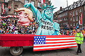 Düsseldorf, Deutschland. 27 February 2017. Anti-Trump float. Carnival parade on Shrove Monday (Rosenmontag) in Düsseldorf, North Rhine-Westphalia, Germany.