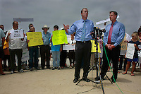 Council Member Kevin Faulconer and Council President Scott Peters speak during a joint press conference in Mission Beach Tuesday, July 22rd 2008 to announce that they will bring a proposal to put the ban on the November Ballot before the council at the next meeting.  Residents, business owners and media attended the rally with the overwhelming majority apparently in favor of the alcohol ban.