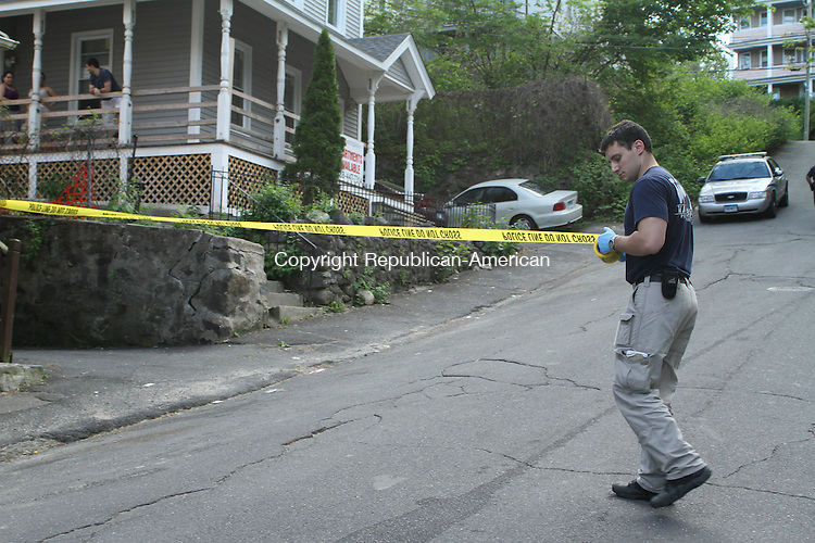 WATERTOWN, CT-13 May 2012-051312LW02-Police cordon off the area on 4th Street where a car that was involved in a deadly shooting was parked Saturday night. Laraine Weschler Republican-American