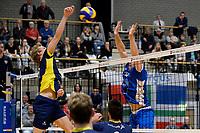 GRONINGEN - Volleybal, Abiant Lycurgus - Inter Rijswijk, Alfa College , Eredivisie , seizoen 2017-2018, 21-10-2017 blok van Lycurgus speler Dennis Borst