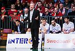 ****BETALBILD**** <br /> S&ouml;dert&auml;lje 2015-04-19 Basket SM-Final 1 S&ouml;dert&auml;lje Kings - Uppsala Basket :  <br /> Uppsalas tr&auml;nare coach Kelly Grant reagerar under matchen mellan S&ouml;dert&auml;lje Kings och Uppsala Basket <br /> (Foto: Kenta J&ouml;nsson) Nyckelord:  S&ouml;dert&auml;lje Kings SBBK T&auml;ljehallen Basketligan SM SM-Final Final Uppsala Basket arg f&ouml;rbannad ilsk ilsken sur tjurig angry depp besviken besvikelse sorg ledsen deppig nedst&auml;md uppgiven sad disappointment disappointed dejected
