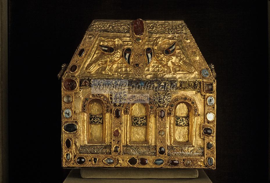 """Europe/France/Auvergne/12/Aveyron/Conques: Trésor reliquaire dit """" de Pépin'- OR - XIIème siècle"""