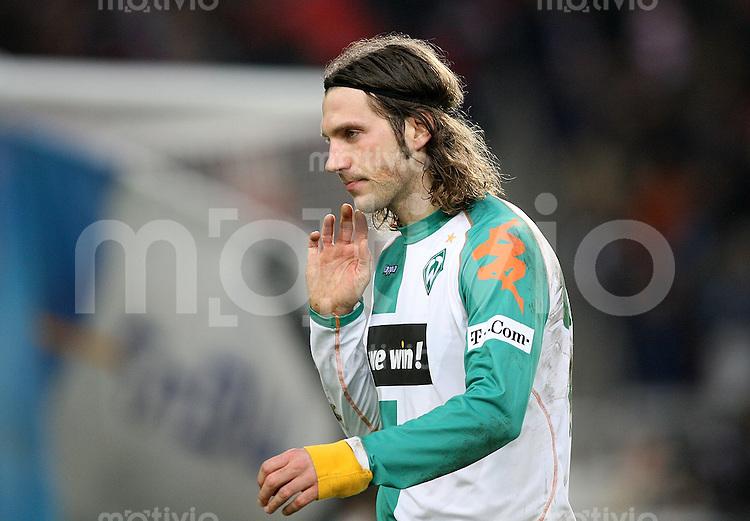 Fussball Bundesliga 21. Bundesliga  VfB Stuttgart 4-1 SV Werder Bremen Enttaeuschung SV W; Torsten Frings