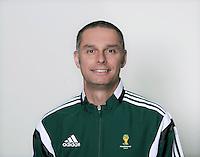 FUSSBALL Fototermin FIFA WM Schiedsrichterassistenten 09.04.2014 Jan Hendrik HINTZ (Neuseeland)
