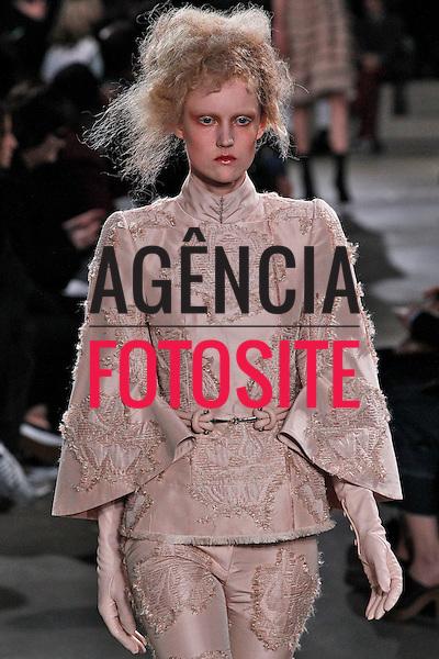 Alexander McQueen<br /> <br /> Paris - Inverno 2015