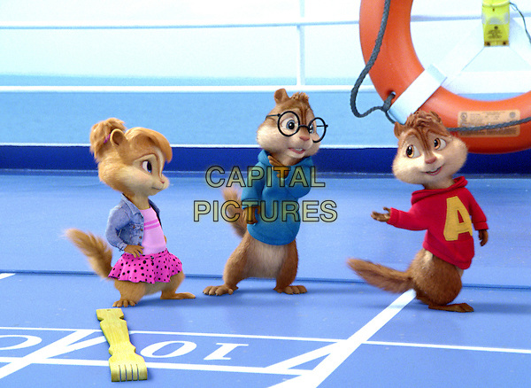 Brittany (Christina Applegate), Alvin (Justin Long), Simon (Matthew Gray Gubler).in Alvin and the Chipmunks: Chipwrecked.*Filmstill - Editorial Use Only*.CAP/FB.Supplied by Capital Pictures.