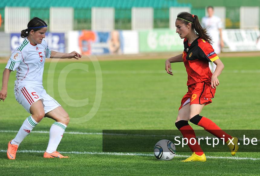 Hungary - Hongarije : UEFA Women's Euro Qualifying group stage (Group 3) - 20/06/2012 - 17:00 - szombathely  - : Hungary ( Hongarije ) - BELGIUM ( Belgie) :.Tessa Wullaert aan de bal voor Timea Gal.foto DAVID CATRY / JOKE VUYLSTEKE / Vrouwenteam.be.