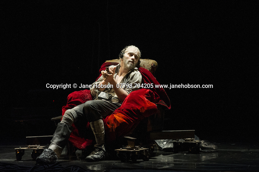 London, UK. 25.03.2014. Compagnie du Hanneton/ James Thierree presents the UK premiere of TABAC ROUGE at Sadler's Wells. Picture shows: James Thierree. Photograph © Jane Hobson.