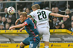 04.11.2018, Stadion im Borussia-Park, Moenchengladbach, GER, 1. FBL, Borussia Moenchengladbach vs. Fortuna Duesseldorf, DFL regulations prohibit any use of photographs as image sequences and/or quasi-video<br /> <br /> im Bild Kopfball / Kopfballduell Rouwen Hennings (#28, Fortuna D&uuml;sseldorf / Duesseldorf) Matthias Ginter (#28, Borussia M?nchengladbach / Moenchengladbach) <br /> <br /> Foto &copy; nordphoto/Mauelshagen