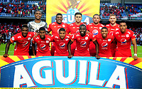 CALI-COLOMBIA, 01-06-2019: Jugadores de América de Cali, posan para una foto, antes de partido entre América de Cali y Deportivo Pasto, de la fecha 5 de los cuadrangulares semifinales por la Liga Águila I 2019 jugado en el estadio Pascual Guerrero de la ciudad de Cali. / Players of America de Cali, pose for a photo, priora match between America de Cali and Deportivo Pasto, of the 5th date of the semifinals quarters for the Aguila Leguaje I 2019 at the Pascual Guerrero stadium in Cali city. Photo: VizzorImage / Nelson Ríos / Cont.