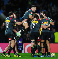 Joe Marchant of Harlequins celebrates his try with team-mates. Aviva Premiership match, between Harlequins and Gloucester Rugby on December 27, 2016 at Twickenham Stadium in London, England. Photo by: Patrick Khachfe / JMP