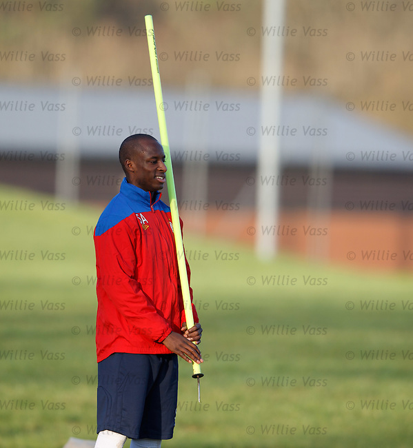 Sone Aluko about to toss the caber