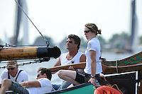 SKUTSJESILEN: Terherne: Snitser Mar, 01-08-2012, SKS skûtsjesilen, skûtsje Sneek, De Sneker Pan, schipper Douwe Jzn. Visser, Marije Faber (adviseur), ©foto Martin de Jong