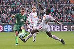 15.04.2018, Weser Stadion, Bremen, GER, 1.FBL, Werder Bremen vs RB Leibzig, im Bild<br /> <br /> Max Kruse (Werder Bremen #10)<br /> Naby Keita (RB Leipzig #08)<br /> <br /> Foto &copy; nordphoto / Kokenge