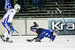 Uppsala 2014-11-15 Bandy Elitserien IK Sirius - IFK V&auml;nersborg :  <br /> Sirius Jimmy Lindgren faller under ett genombrottsf&ouml;rs&ouml;k i V&auml;nersborgs f&ouml;rsvar under matchen mellan IK Sirius och IFK V&auml;nersborg <br /> (Foto: Kenta J&ouml;nsson) Nyckelord:  Bandy Elitserien Uppsala Studenternas IP IK Sirius IKS IFK V&auml;nersborg
