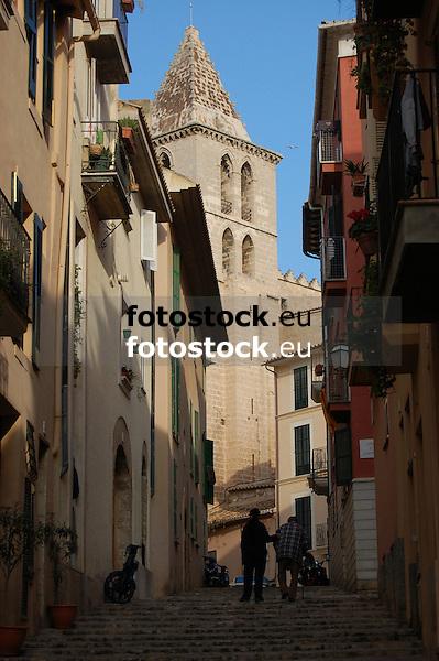 Narrow street and parish church Santa Creu in Palma de Mallorca<br /> <br /> Peque&ntilde;a calle y parroquia Santa Creu in Palma de Mallorca<br /> <br /> Schmale Gasse und Pfarrkirche Santa Creu in Palma de Mallorca<br /> <br /> 3008 x 2000 px
