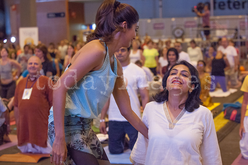 International Yoga Day Celebrations in Madrid Spain celebrated the Yoga Day with the Bollywood actress, Shilpa Shetty, here helping the india's wife Ambassador Shrimatti Dolly