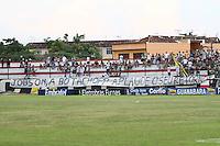 RIO DE JANEIRO, RJ, 10 DE MARCO 2012 - CAMPEONATO CARIOCA - 3a RODADA - TACA RIO - BOTAFOGO X BANGU - Torcedores do Botafogo manisfestam o seu apoio a Jobson, antes da partida contra o Bangu, pela 3a rodada da Taca Rio, no estadio Proletario, Bangu, na cidade do Rio de Janeiro, neste sabado, 10. FOTO BRUNO TURANO  BRAZIL PHOTO PRESS