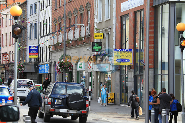 West street in Drogheda, What was the heart of the town and was known as the golden mile, now lies empty, the West end of the Street (narrow West Street) on the approach into the centre of town 16 out of 21 shops closed.<br /> Picture:  Fran Caffrey / www.newsfile.ie
