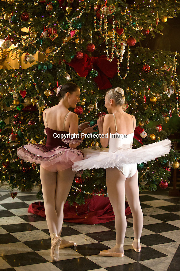 04/11/16<br /> <br /> Commission Mcc0073519 Assigned<br /> <br /> L/R: Alice Rathbone (23) & Daisy Kerry (17).<br /> <br /> Ballerinas pose for photographs in the Painted Hall at Chatsworth House to mark the start of the stately home's Christmas themed  'The Nutcracker'. Join Clara's adventures as she is swept away by her Nutcracker Prince until Jan 3 2017.<br /> <br /> All Rights Reserved F Stop Press Ltd. (0)1773 550665   www.fstoppress.com