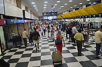 SAO PAULO, SP, 01.11.2014 - AEROPORTO DE CONGONHAS - SP - Movimentação no aeroporto de Congonhas, localizado na zona sul da cidade, na manhã deste sabado, 01. (Foto: Eduardo Carmim / Brazil Photo Press)