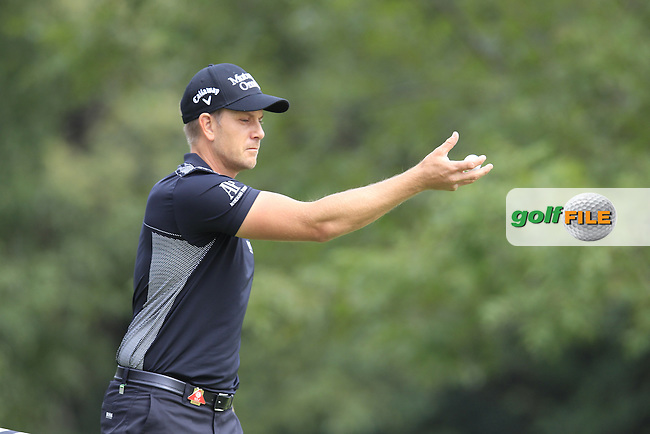 Henrik Stenson (SWE) on the 4th green during the final round of the WGC-HSBC Champions, Sheshan International GC, Shanghai, China PR.  30/10/2016<br /> Picture: Golffile | Fran Caffrey<br /> <br /> <br /> All photo usage must carry mandatory copyright credit (&copy; Golffile | Fran Caffrey)