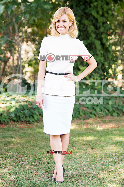 """Alexandra Jimenez pose to the photographers during the shooting of the spanish film """"Toc Toc"""" in Madrid. October 03, Spain. 2016. (ALTERPHOTOS/BorjaB.Hojas)"""