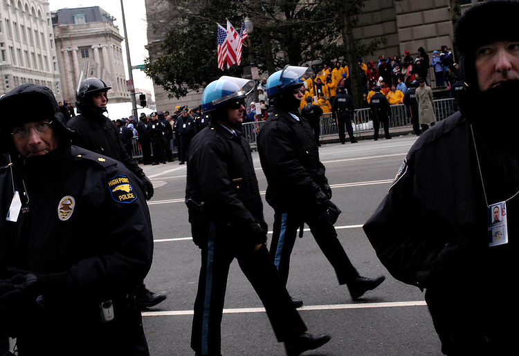 Police at the 2005 Inaugural parade along Pennsylvania Ave.