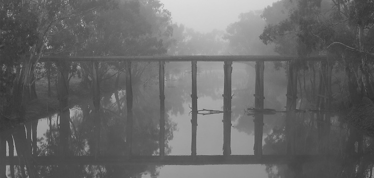 Foggy Morning, Quantong Bridge<br />