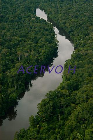 Estrada de Apu&iacute; ao rio Juma para chegar ao garimpo.<br /> <br /> Garimpo do Juma,  descoberto em Novo Aripuan&atilde;, no sul do Amazonas,  igarap&eacute; da Preciosa, um afluente do rio Juma (a 70 km da cidade de Apu&Igrave;) vai crescendo com dezenas de buracos abertos sob a selva.<br /> Novo Aripuan&atilde;, Amazonas, Brasil<br /> 31/01/2007<br /> Foto Paulo Santos/