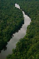 Estrada de Apuí ao rio Juma para chegar ao garimpo.<br /> <br /> Garimpo do Juma,  descoberto em Novo Aripuanã, no sul do Amazonas,  igarapé da Preciosa, um afluente do rio Juma (a 70 km da cidade de ApuÌ) vai crescendo com dezenas de buracos abertos sob a selva.<br /> Novo Aripuanã, Amazonas, Brasil<br /> 31/01/2007<br /> Foto Paulo Santos/